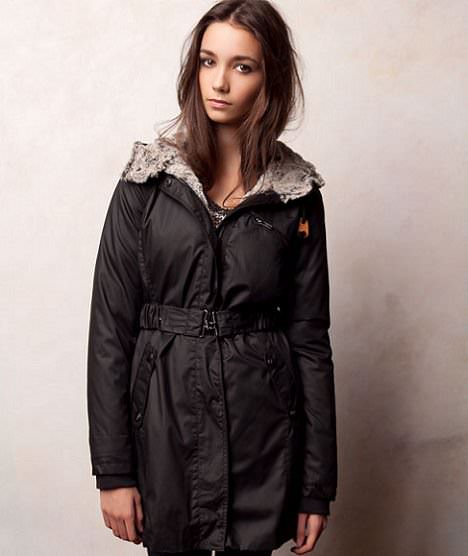nuevos abrigos de Pull and Bear otoño 2011