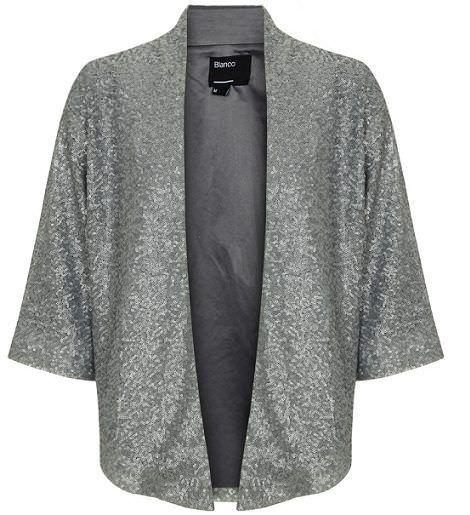 las chaquetas kimono están de moda este otoño