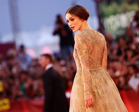 Keira Knightley en la alfombra roja de Venecia