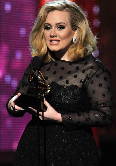Alfombra roja Grammy 2012 Adele