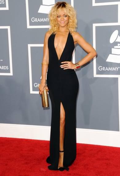 Alfombra roja Grammy 2012 Rihanna