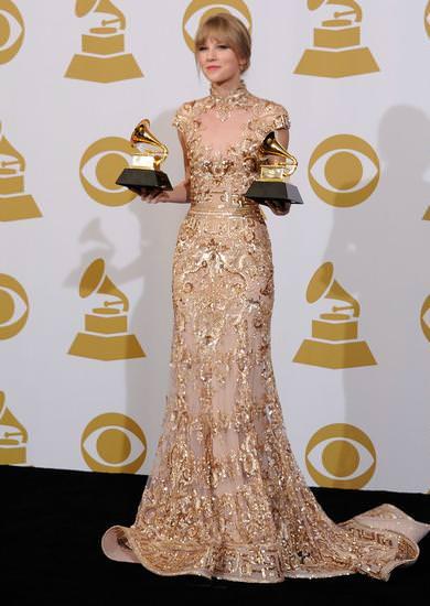 Alfombra roja Grammy 2012 Taylor Swift