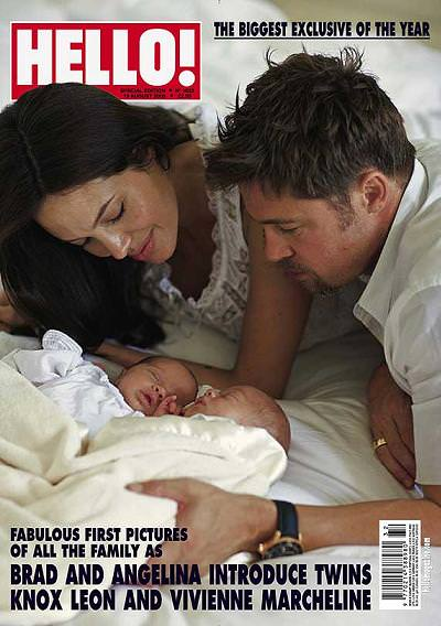 Angelina y Brad con los mellizos en la portada de Hello