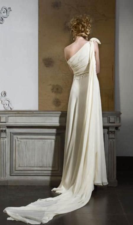 Vestidos de novias, de Adolfo Dominguez, colección primavera verano 2009