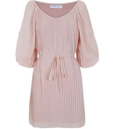 vestido rosa de blanco para la primavera