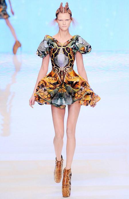Alexander McQueen, moda primavera verano 2010