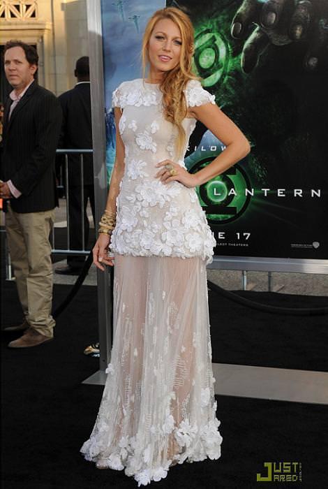 Blake Lively con vestido de Chanel