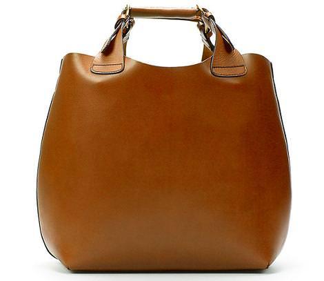 Olivia Palermo con bolso de Zara