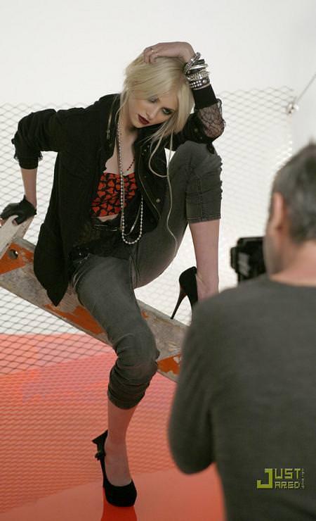 Taylor Momsen para Material Girl