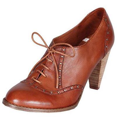 Zapato con cordón y tacón de Pull&Bear