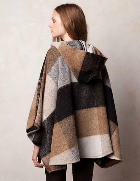 Abrigo capa de Pull and Bear del otoño invierno 2011 2012