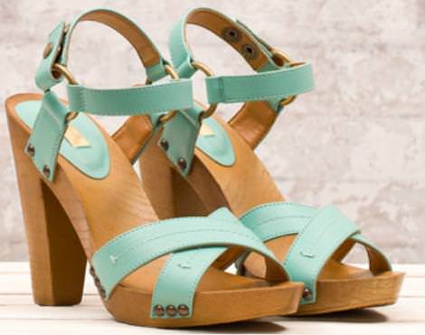 Sandalias y zapatos Stradivarius primavera 2012