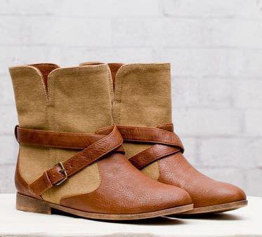 zapatos de stradivarius primavera 2012 botin combinado
