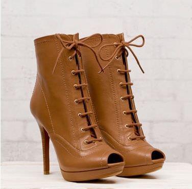 zapatos de stradivarius primavera 2012 botin cordones