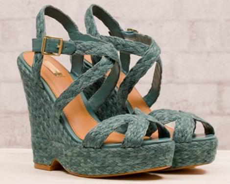 Zapatos cuña de Stradivarius 2012
