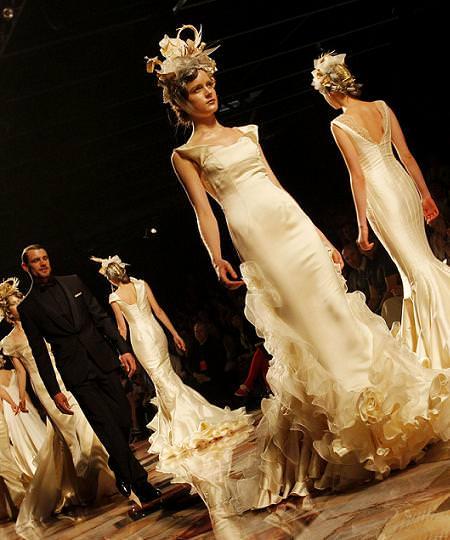 Victorio y Lucchino, vestidos de novias 2011
