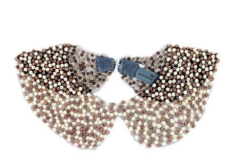 Cuello babero de perlas de Zara