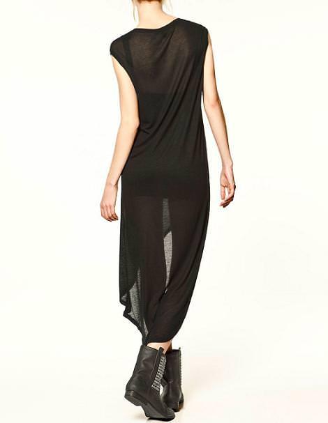 Vestido con largo asimétrico de Zara Trafaluc