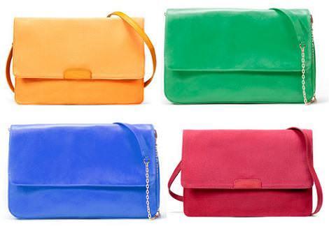 Bolsos sobres de colores de Zara
