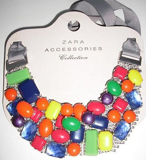 Collar babero de colores de Zara