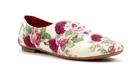 Bluchers y oxford estampados de flores