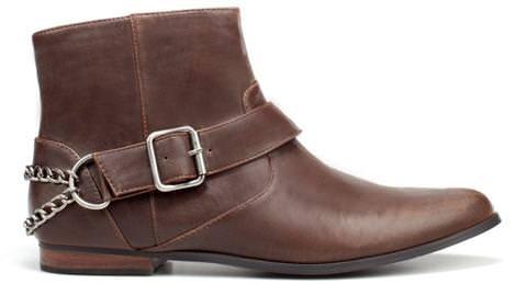 Los nuevos zapatos de Zara del invierno 2012, botines cadena