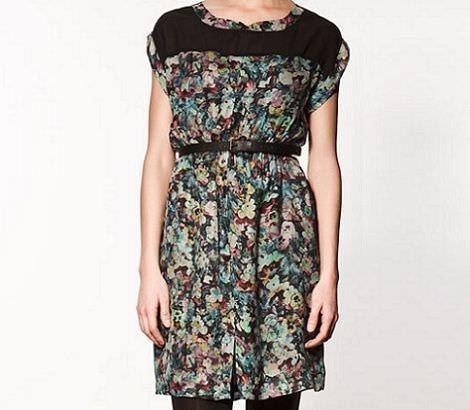 vestidos de rebajas  con flores de zara