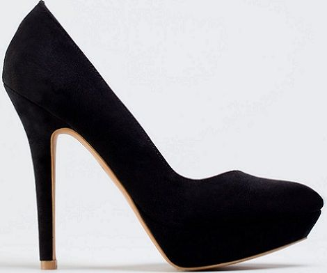 zapatos de salón asimétricos de Bershka